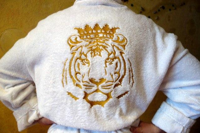 нитки для именной вышивки на халатах