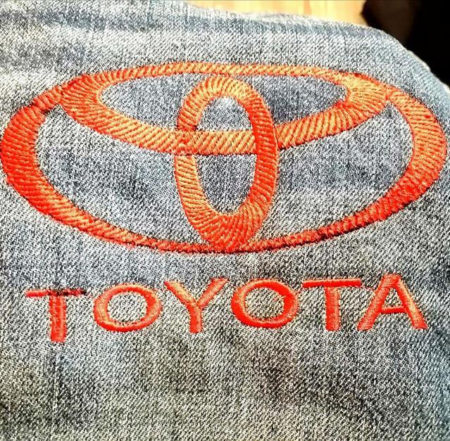 логотип тойота вышивка